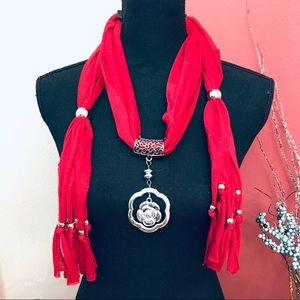 5ea or 2/20 - Pendant Scarf- Red